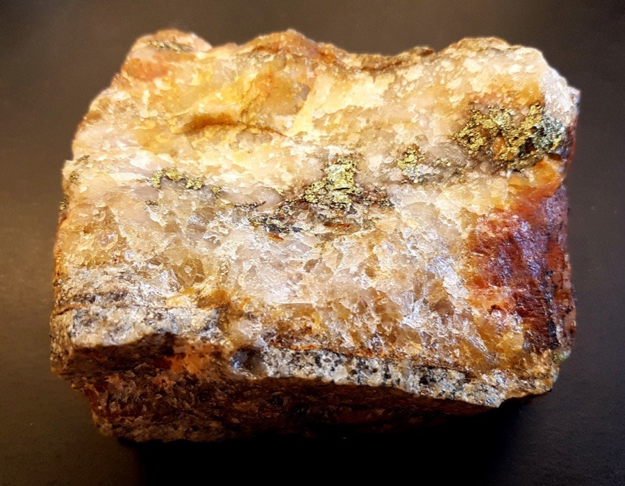 Nexus Gold - Sample from McKenzie Gold Project that produced assay result of 331 g/t Au